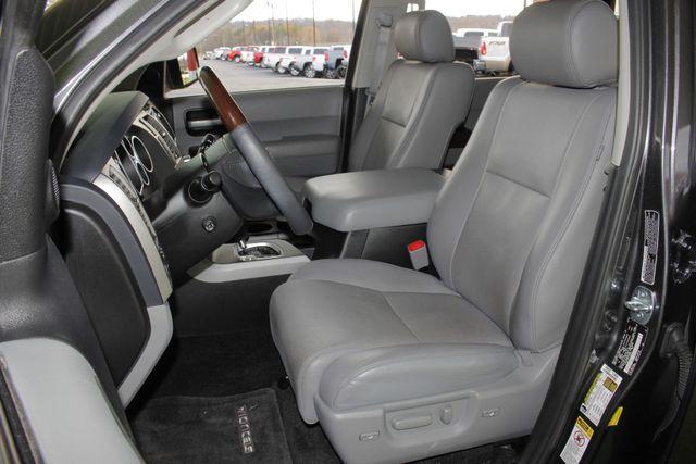 2015 Toyota Sequoia Platinum 4WD - NAV - REAR DVD - SUNROOF! Mooresville , NC 10