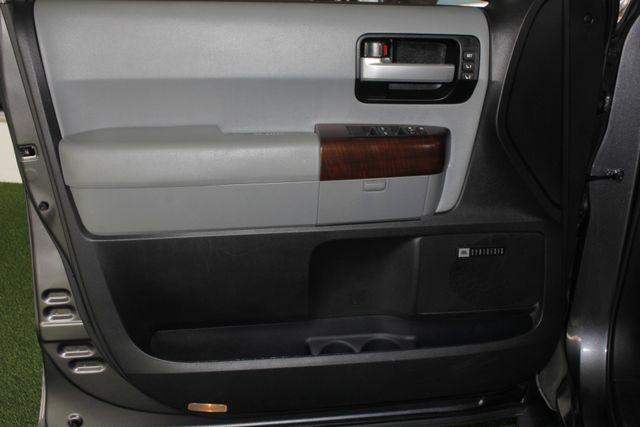 2015 Toyota Sequoia Platinum 4WD - NAV - REAR DVD - SUNROOF! Mooresville , NC 51