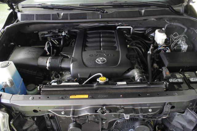 2015 Toyota Sequoia Platinum 4WD - NAV - REAR DVD - SUNROOF! Mooresville , NC 54