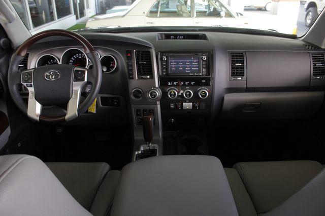 2015 Toyota Sequoia Platinum 4WD - NAV - REAR DVD - SUNROOF! Mooresville , NC 32