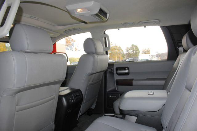 2015 Toyota Sequoia Platinum 4WD - NAV - REAR DVD - SUNROOF! Mooresville , NC 47