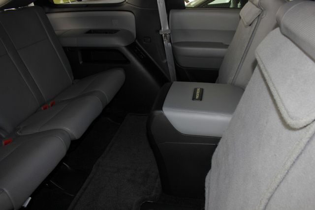 2015 Toyota Sequoia Platinum 4WD - NAV - REAR DVD - SUNROOF! Mooresville , NC 50