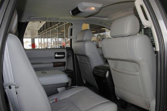2015 Toyota Sequoia Platinum 4WD - NAV - REAR DVD - SUNROOF! Mooresville , NC 48