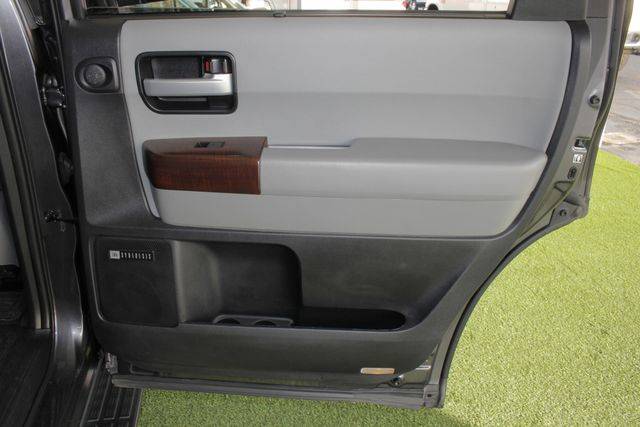 2015 Toyota Sequoia Platinum 4WD - NAV - REAR DVD - SUNROOF! Mooresville , NC 53