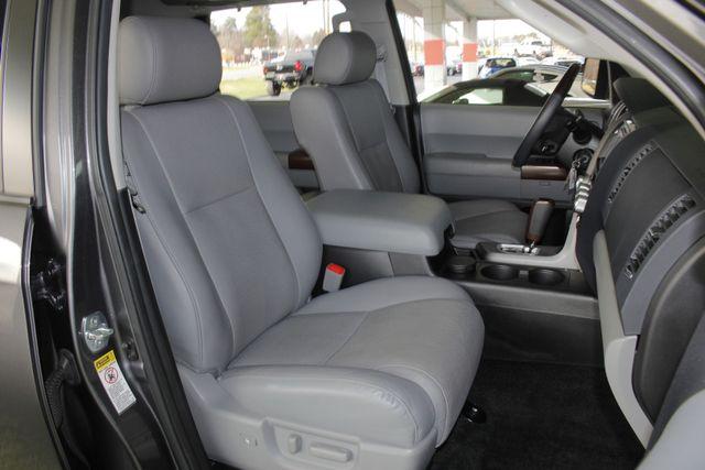 2015 Toyota Sequoia Platinum 4WD - NAV - REAR DVD - SUNROOF! Mooresville , NC 17