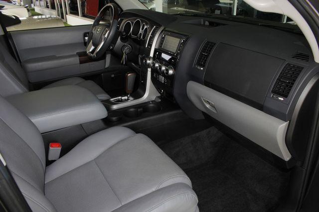 2015 Toyota Sequoia Platinum 4WD - NAV - REAR DVD - SUNROOF! Mooresville , NC 34
