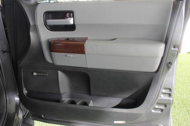 2015 Toyota Sequoia Platinum 4WD - NAV - REAR DVD - SUNROOF! Mooresville , NC 52