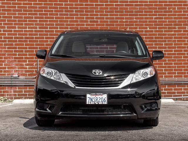 2015 Toyota Sienna LE AAS Burbank, CA 1