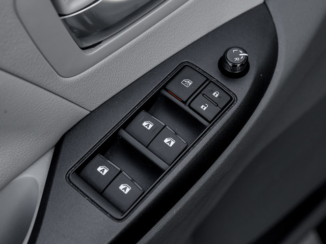 2015 Toyota Sienna LE AAS Burbank, CA 13