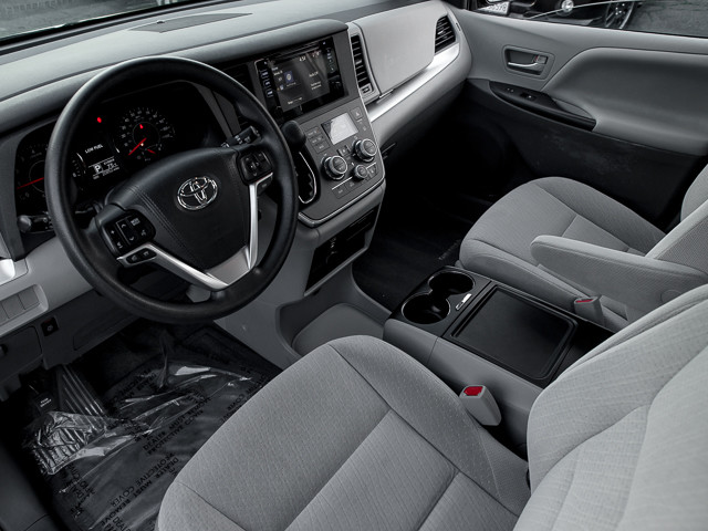 2015 Toyota Sienna LE AAS Burbank, CA 15