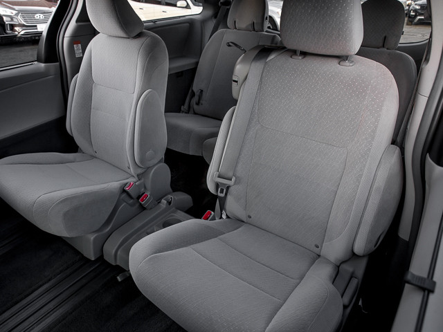 2015 Toyota Sienna LE AAS Burbank, CA 17