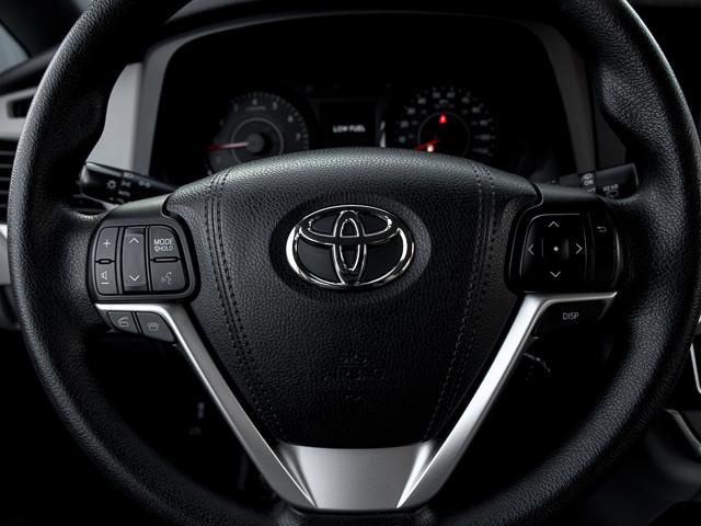 2015 Toyota Sienna LE AAS Burbank, CA 26