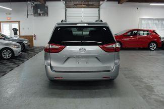 2015 Toyota Sienna LE Kensington, Maryland 3