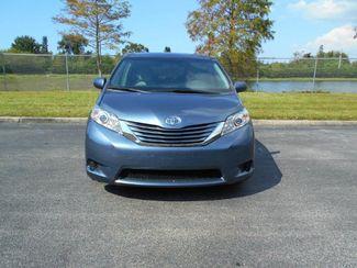 2015 Toyota Sienna Le Handicap Van Pinellas Park, Florida 3