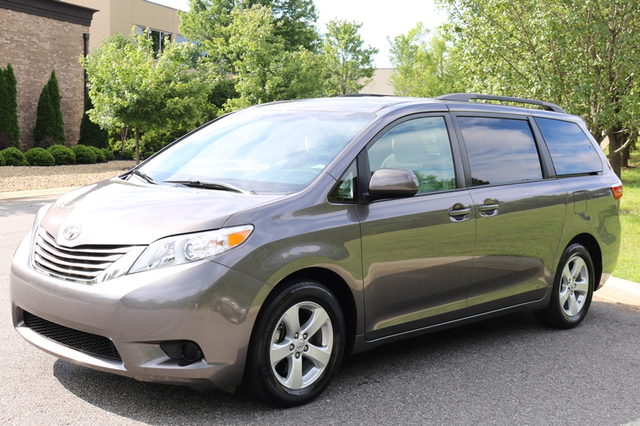 2015 Toyota Sienna LE Mooresville, North Carolina 55
