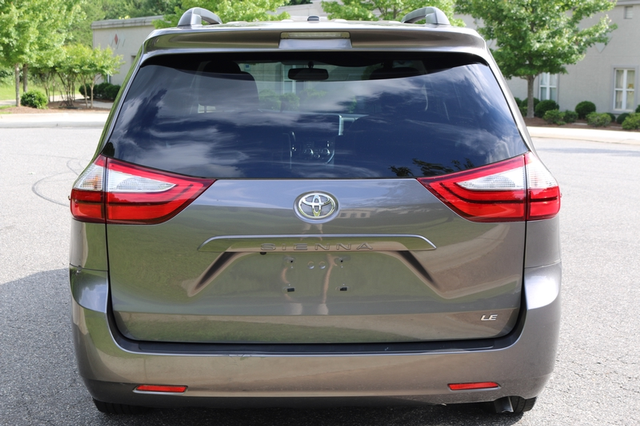 2015 Toyota Sienna LE Mooresville, North Carolina 59