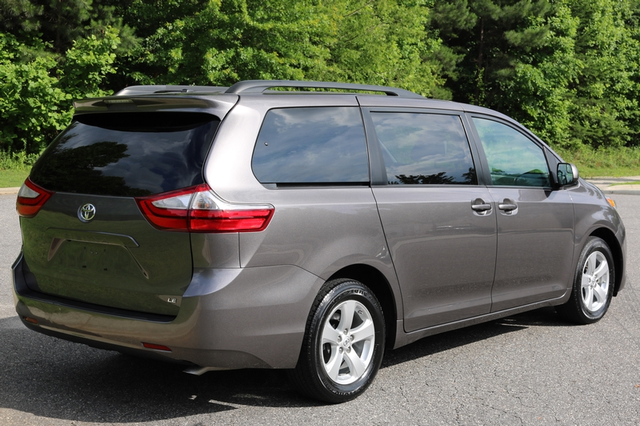 2015 Toyota Sienna LE Mooresville, North Carolina 60