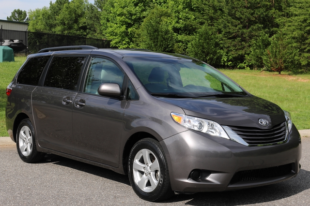 2015 Toyota Sienna LE Mooresville, North Carolina 63