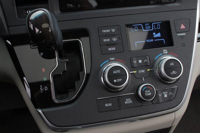 2015 Toyota Sienna XLE FWD - BRAUNABILITY HANDICAP/HANDICAPPED! Mooresville , NC 43