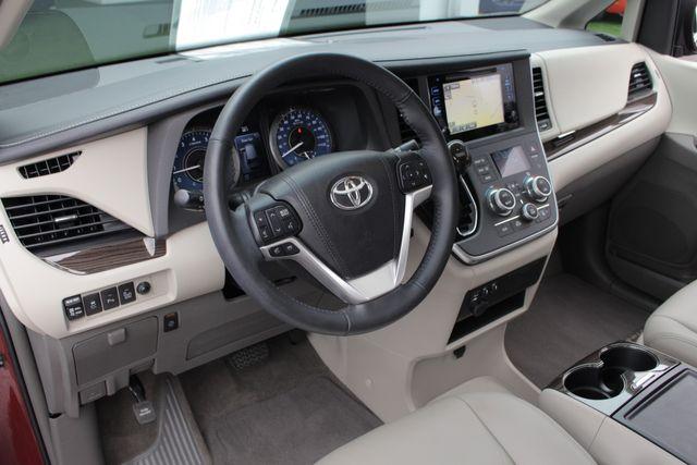 2015 Toyota Sienna XLE FWD - BRAUNABILITY HANDICAP/HANDICAPPED! Mooresville , NC 34