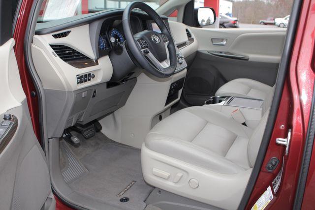 2015 Toyota Sienna XLE FWD - BRAUNABILITY HANDICAP/HANDICAPPED! Mooresville , NC 32
