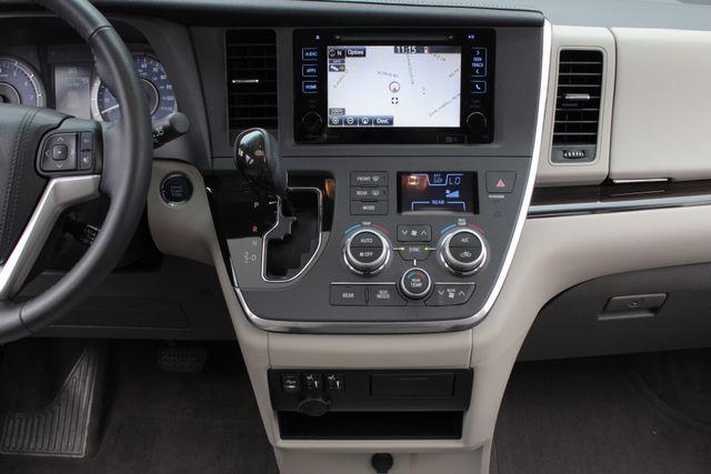 2015 Toyota Sienna XLE FWD - BRAUNABILITY HANDICAP/HANDICAPPED! Mooresville , NC 11