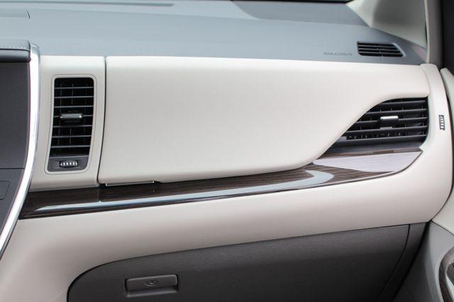 2015 Toyota Sienna XLE FWD - BRAUNABILITY HANDICAP/HANDICAPPED! Mooresville , NC 9
