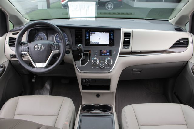 2015 Toyota Sienna XLE FWD - BRAUNABILITY HANDICAP/HANDICAPPED! Mooresville , NC 33