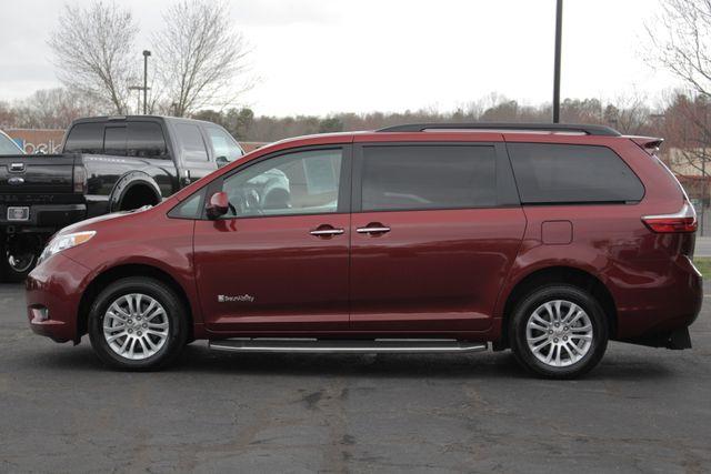 2015 Toyota Sienna XLE FWD - BRAUNABILITY HANDICAP/HANDICAPPED! Mooresville , NC 18