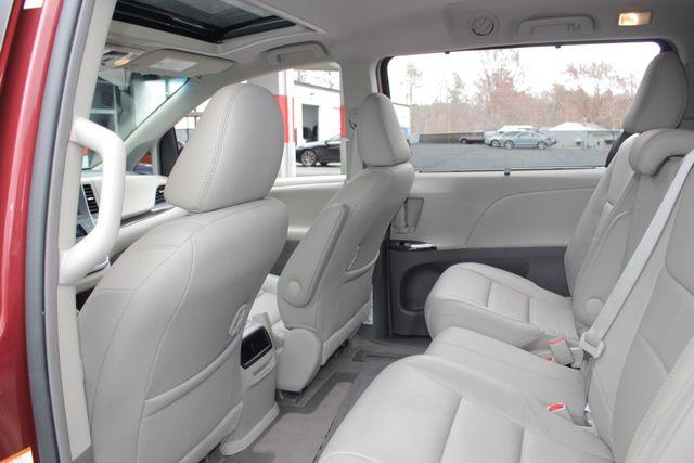 2015 Toyota Sienna XLE FWD - BRAUNABILITY HANDICAP/HANDICAPPED! Mooresville , NC 45
