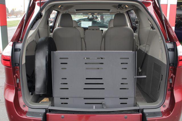 2015 Toyota Sienna XLE FWD - BRAUNABILITY HANDICAP/HANDICAPPED! Mooresville , NC 14