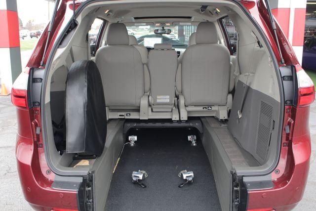 2015 Toyota Sienna XLE FWD - BRAUNABILITY HANDICAP/HANDICAPPED! Mooresville , NC 5
