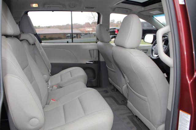 2015 Toyota Sienna XLE FWD - BRAUNABILITY HANDICAP/HANDICAPPED! Mooresville , NC 46