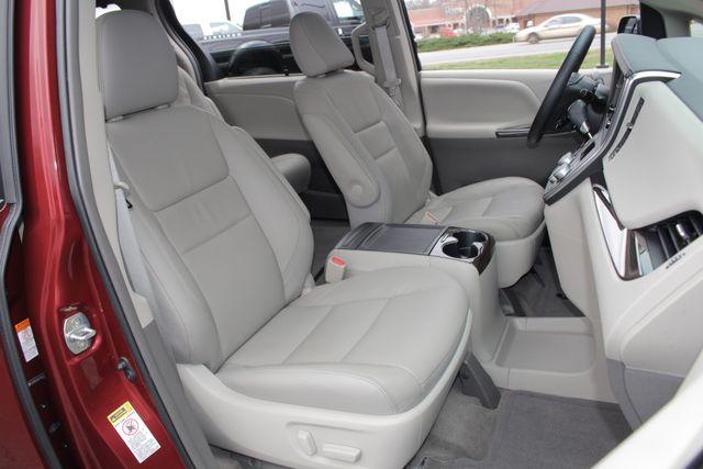 2015 Toyota Sienna XLE FWD - BRAUNABILITY HANDICAP/HANDICAPPED! Mooresville , NC 16