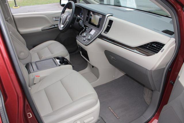 2015 Toyota Sienna XLE FWD - BRAUNABILITY HANDICAP/HANDICAPPED! Mooresville , NC 35