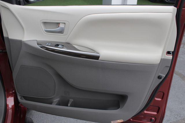 2015 Toyota Sienna XLE FWD - BRAUNABILITY HANDICAP/HANDICAPPED! Mooresville , NC 53
