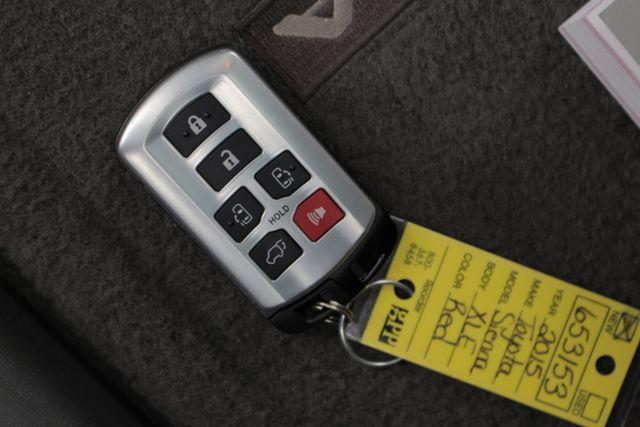 2015 Toyota Sienna XLE FWD - BRAUNABILITY HANDICAP/HANDICAPPED! Mooresville , NC 31