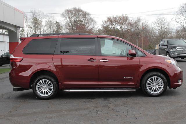 2015 Toyota Sienna XLE FWD - BRAUNABILITY HANDICAP/HANDICAPPED! Mooresville , NC 17
