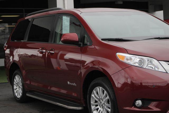 2015 Toyota Sienna XLE FWD - BRAUNABILITY HANDICAP/HANDICAPPED! Mooresville , NC 26