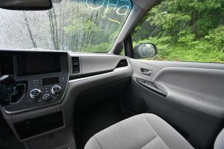 2015 Toyota Sienna LE Naugatuck, Connecticut 17