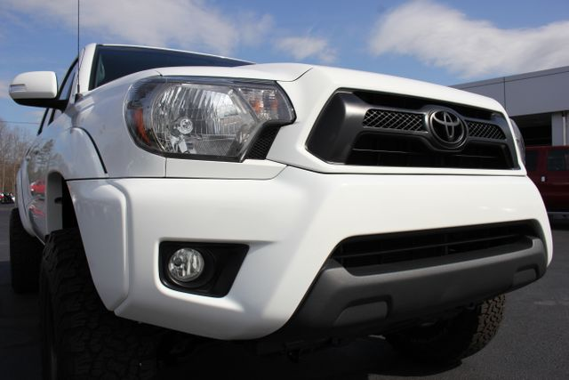 2015 Toyota Tacoma PreRunner Crew Cab RWD TRD SPORT - One Owner Mooresville , NC 26