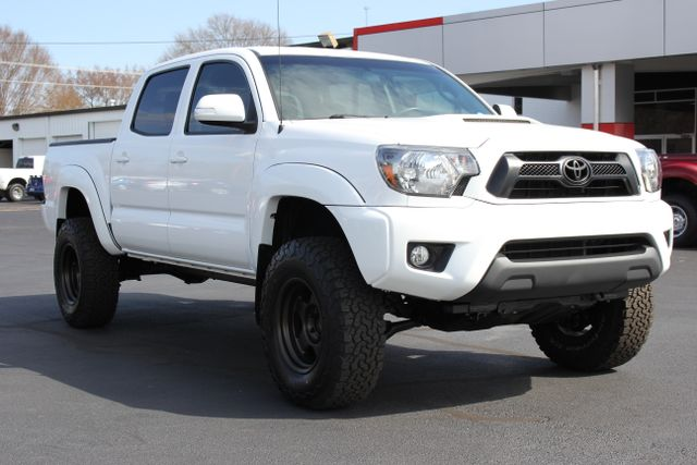 2015 Toyota Tacoma PreRunner Crew Cab RWD TRD SPORT - One Owner Mooresville , NC 18
