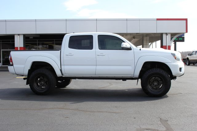 2015 Toyota Tacoma PreRunner Crew Cab RWD TRD SPORT - One Owner Mooresville , NC 9