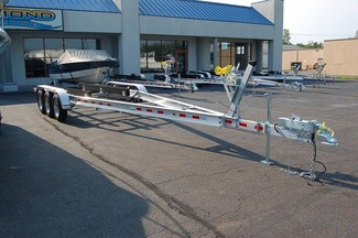 2017 Venture VATB-10625 Boat Trailer Tri-axle East Haven, Connecticut