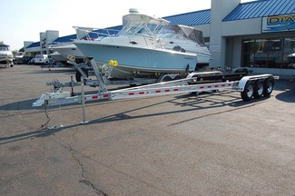 2017 Venture VATB-10625 Boat Trailer Tri-axle East Haven, Connecticut 3
