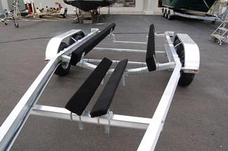2018 Venture VATB-5225 Straight Inboard Pkg Rear crossmember drop-down East Haven, Connecticut 6
