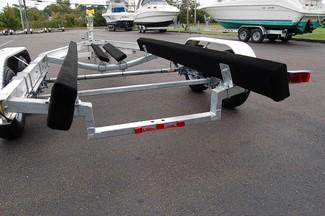2018 Venture VATB-5225 Straight Inboard Pkg Rear crossmember drop-down East Haven, Connecticut 9
