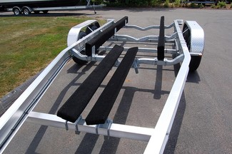 2018 Venture VATB-8025 BOAT TRAILER FITS 25-26 FT BOAT East Haven, Connecticut 1