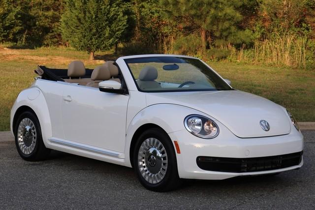 2015 Volkswagen Beetle Convertible 1.8T Mooresville, North Carolina 0