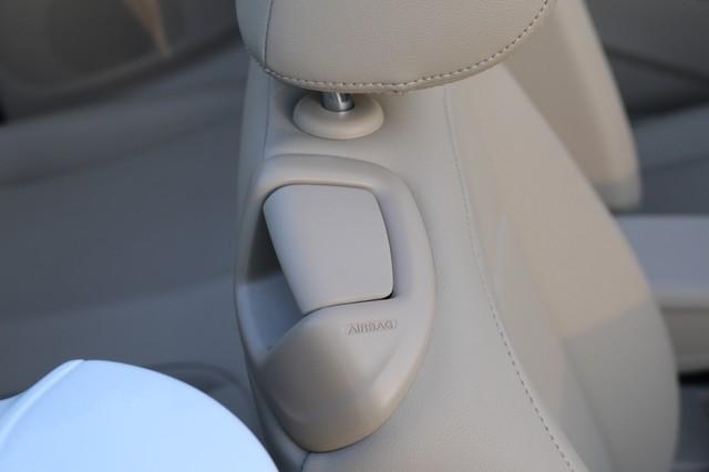 2015 Volkswagen Beetle Convertible 1.8T Mooresville, North Carolina 22